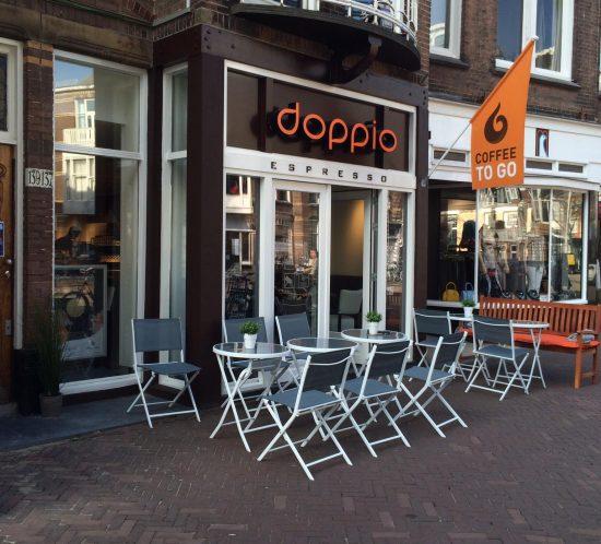Doppio_espresso_den_haag_lichtreclame_led_doosletters_terras_vlag_reclame