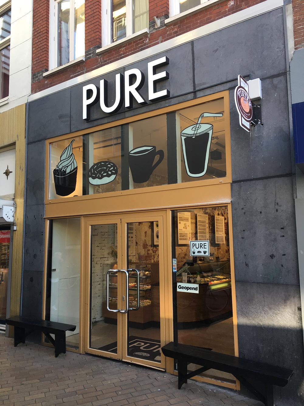 LED_doosletters_lichtreclame_groningen_Pure_Frozen_lichtbak_overdag_Groningen